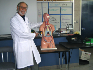 Students learn about anatomy at Graham/Crittenden Career Day